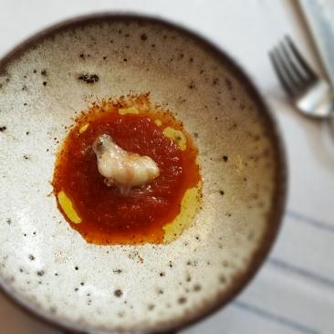 Ostión en salsa de clamato... PUF
